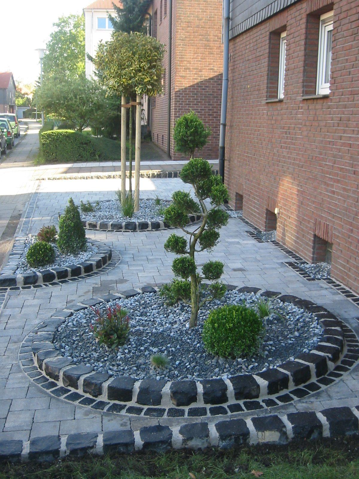 vorgarten kies | garten- und landschaftsbau patrick fink, Gartenarbeit ideen